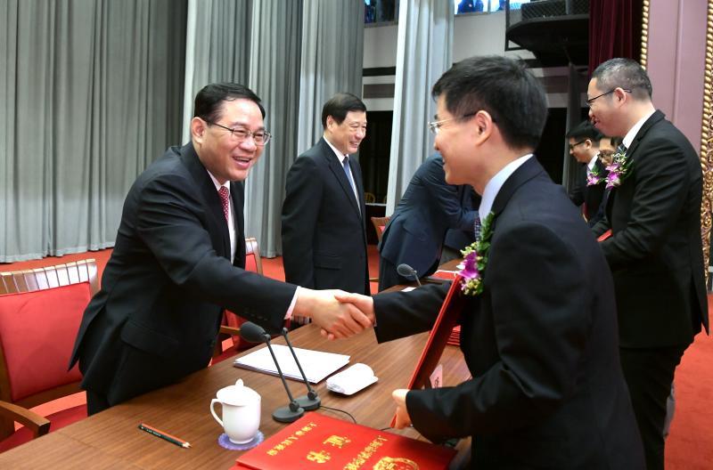 """""""满盘皆活""""!上海市科学技术奖励大会上,李强阐述科创中心建设关键点"""