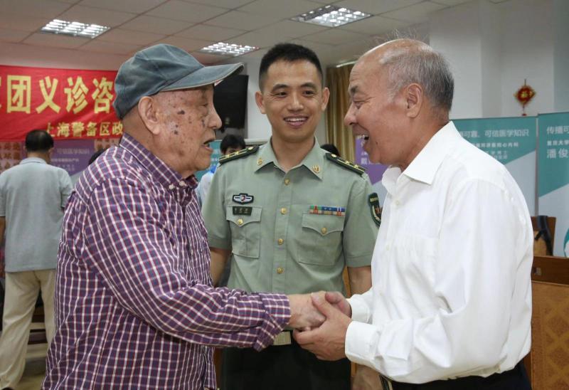 """""""医生说我身体很硬朗"""",上海95岁老英雄今天愉快赴京接受检阅"""