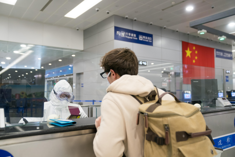 虹桥机场所有国际、港澳台航班转场至浦东机场后 上海边检调配警力增