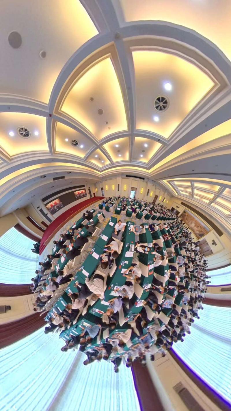 政协会议闭幕后,这位港区全国政协委员来了上海