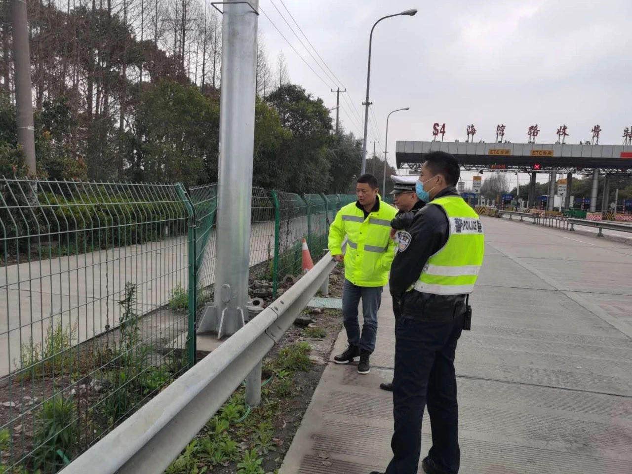 擅闯高速公路,上海近期5名行人被撞身亡!还有人毁坏隔离栏开荒种地