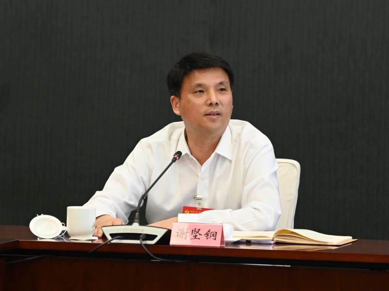 """在这场高规格会议上,市委委员一再提到这十个""""人"""",对上海意味着"""