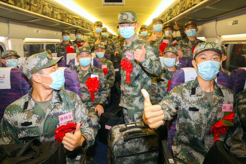 新兵大学生征集比例创新高!上海今天欢送一批新兵入伍