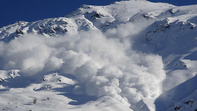 「雪崩」的圖片搜尋結果