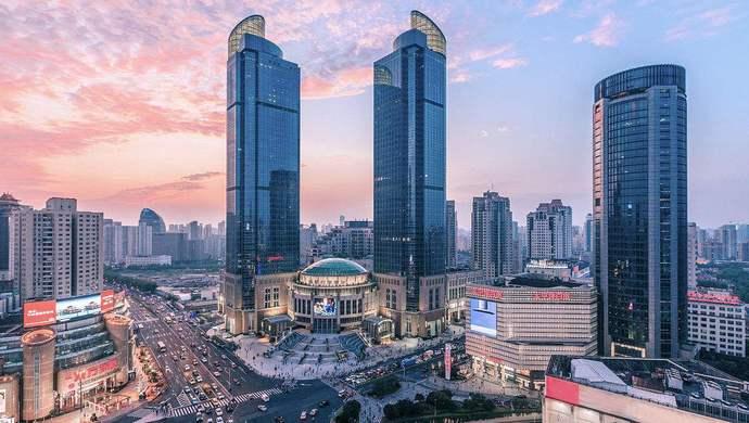 Kết quả hình ảnh cho 上海著名的恒隆广场和港汇广场