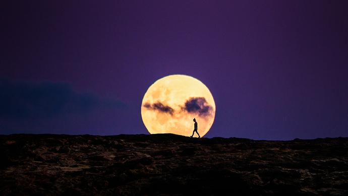2019年将发生三次 超级月亮 你想和谁一起看 上观