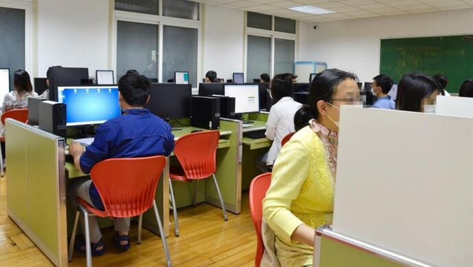 上海高考评卷预计22日全部完成,现场直击:数学最后一道大题这样批……