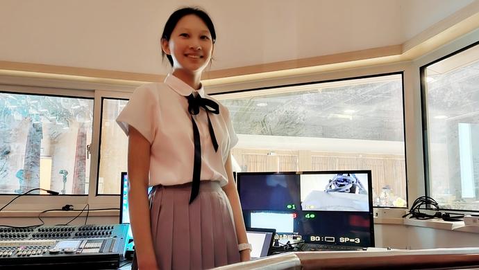 女孩1米76还是体育委员,立定跳远超2米,凭啥能进上海中学|中考生出分①