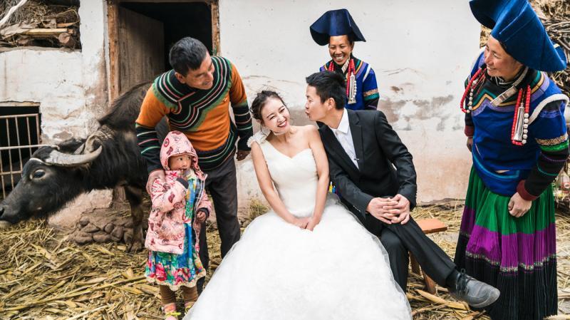 彝族婚纱照图片大全_彝族图片大全图案