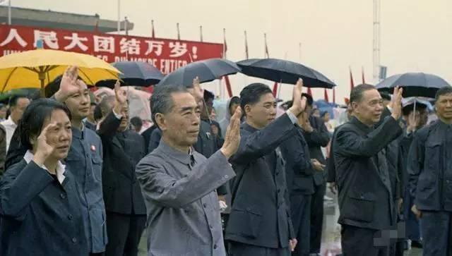 电影周恩来在上海_【海上记忆】风雨中,周恩来最后一次上海行--上观