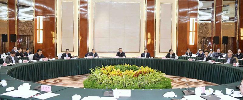 """齐聚""""一行两会""""、金融大佬的座谈会上,李强书记为上海这项国家战略强力发声"""