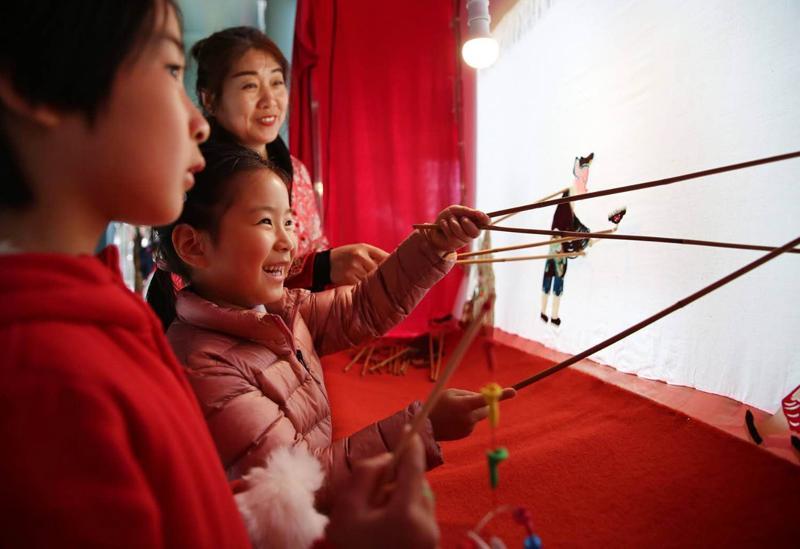 """在闵行,公益课发展兴趣""""不鸡血"""",弄堂游戏唤起童年记忆、传承海派文化"""